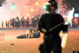 vancouver stanly cup riot kiss