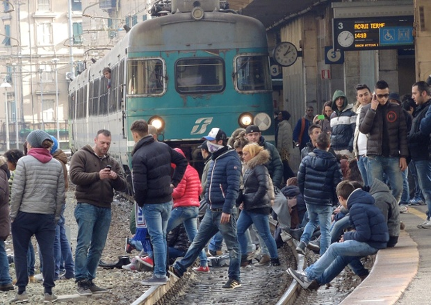 Genoa train station occupied in 'pitchfork' protest