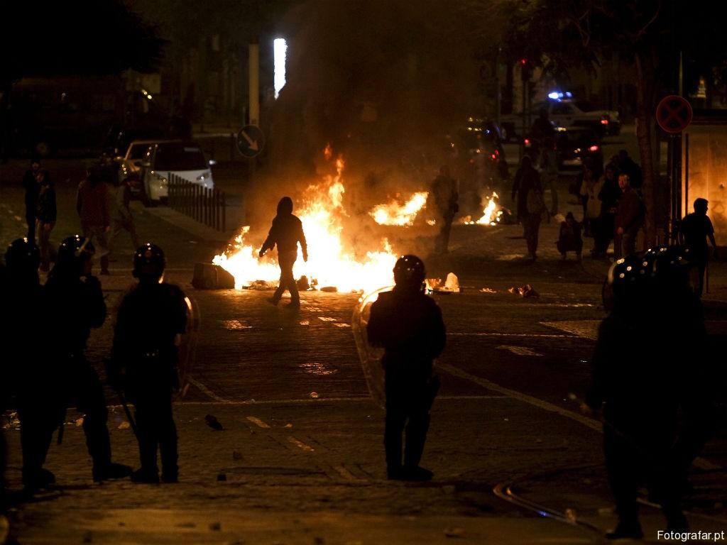 portugal manifestação-14-novembro-assembleia-9