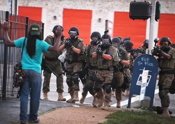 FergusonCops2.jpg.CROP.promovar-mediumlarge