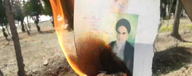 Khomeini-pictures-set-on-fire