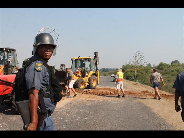LimpopoProtest1-716x537