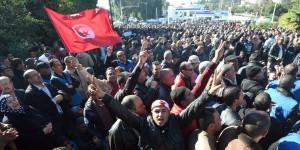 Tunisie-des-affrontements-devant-le-siege-du-gouvernement