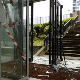 paris cgt hq attacked