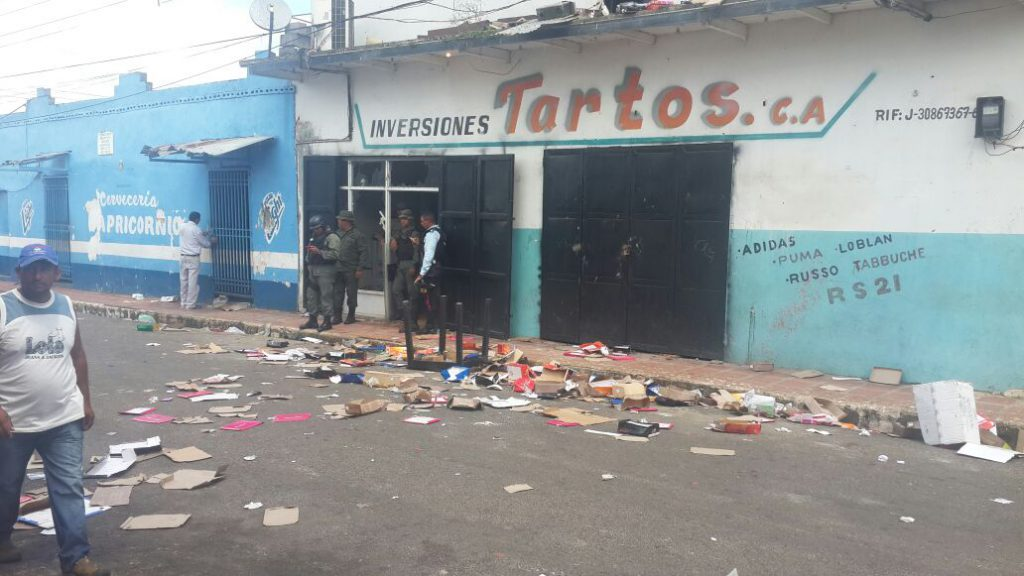 venezuela-looting