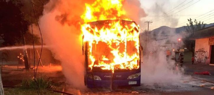 chile-bus-burning-3-11-16